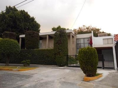 Casa En Venta En Circuito Cirujanos, Satélite, Naucalpan Esta De México