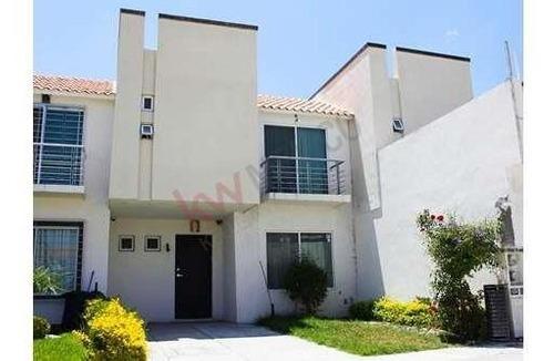 Casa En Venta En Los Lagos, $1,550,000.00 Cerca De Zona Industrial.