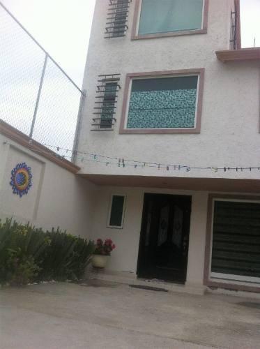 Casa En Venta En Metepec, Estado De México A Cinco Minutos De Av. Tecnológico.