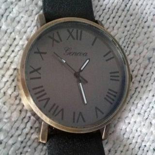 Reloj Hombre- Rustico - Fondo Oscuro - Nros Romanos