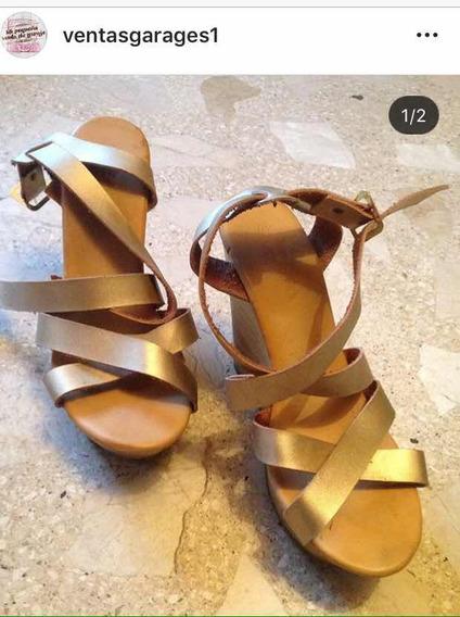 Zapatos Para Dama Número 40 Color Dorado En Perfecto Estado