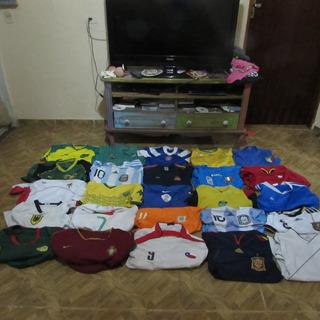 Lote De 25 Camisas De Selecoes