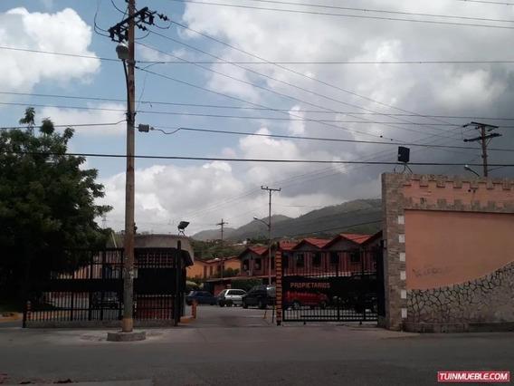 Casa Muralla Arriba Guatire