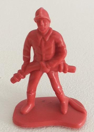 Imagen 1 de 6 de Bombero Figura Soldadito Plastico Muñeco Retro Vintage 6 Cm.