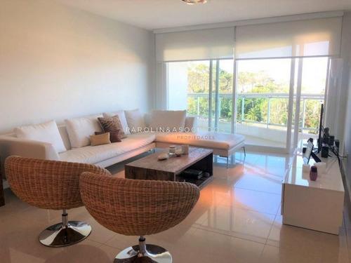Departamento De 2 Dormitorios En Torre Aquarela, Mansa, Punta Del Este-ref:278