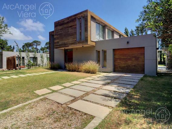 Casa Moderna Con Piscina En Alquiler-en Venta En Barrio Privado La Residence , Zona Colegios