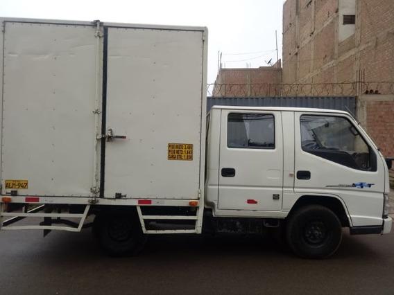 Camion Furgon De Doble Cabina De Dos Toneladas
