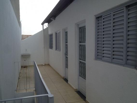 Apartamento Em Jardim Maria Rosa, Taboão Da Serra/sp De 45m² 1 Quartos Para Locação R$ 750,00/mes - Ap181324