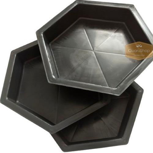 Molde Plástico Blocos De Cimento Sextavado 25x25x08 - Kit 17