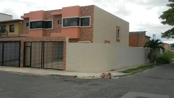 Casa En Las Quintas Naguanagua Codigo 20-7410jv