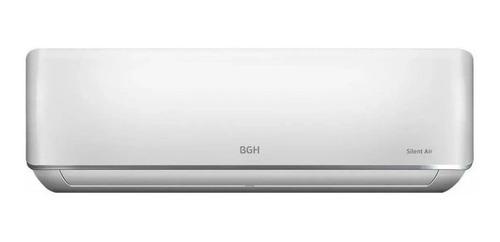 Imagen 1 de 3 de Aire acondicionado BGH Silent Air split inverter frío/calor 2950 frigorías blanco 220V BSI35WCCR