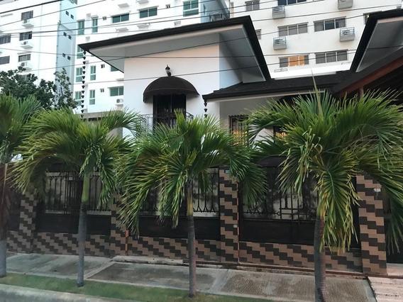 Mansion En El Mirador Sur