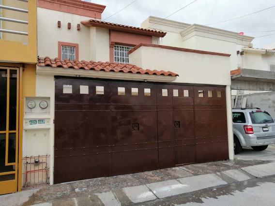 Casa En Venta En Villas De San Lorenzo