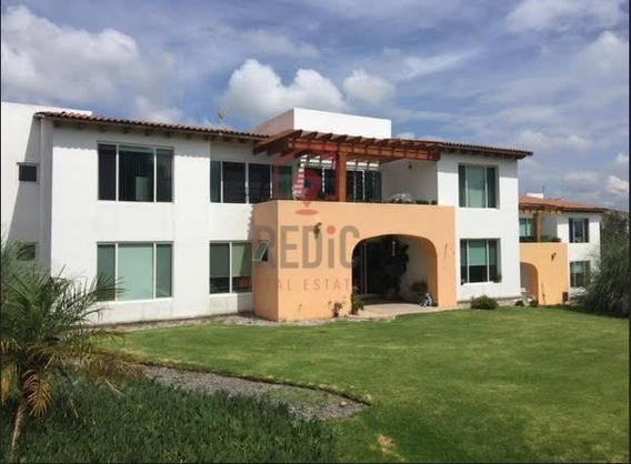 Villa De 1 Solo Piso En Balvanera