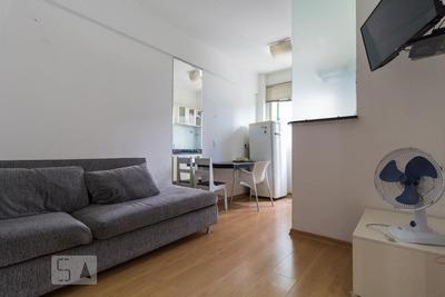 Apartamento No 11º Andar Mobiliado Com 1 Dormitório E 1 Garagem - Id: 892834545 - 134545