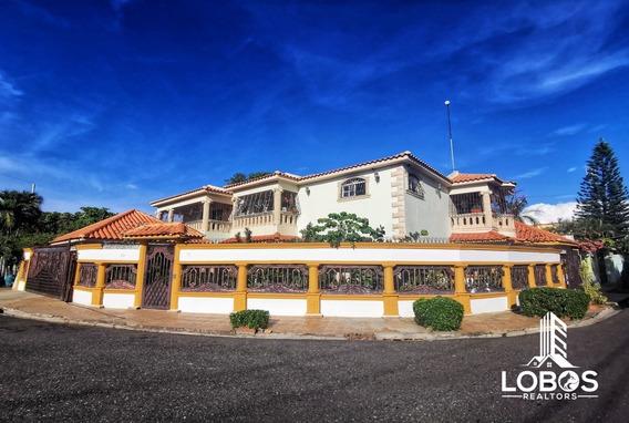 Casa En Venta En Alma Rosa Santo Domingo Este