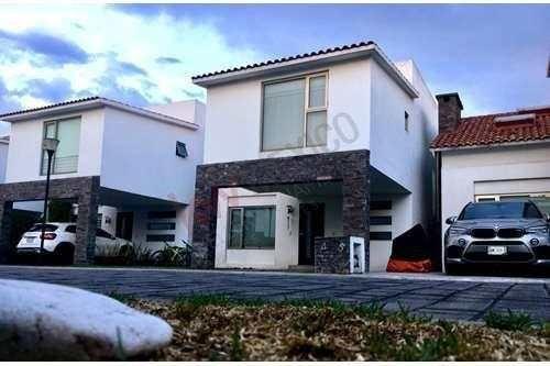 Casa En Renta, En La Providencia, Metepec, Estado De México