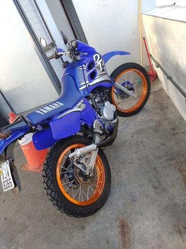 Imagem 1 de 8 de Yamaha Dt 200 R