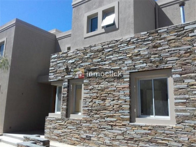 Openhouse Alquila Hermosa Casa En Barrio Dalvian