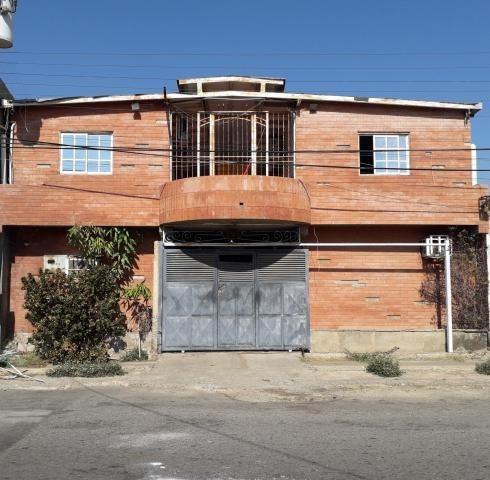 04146954944 Cod-20-18460 Local En Venta Centro De Coro