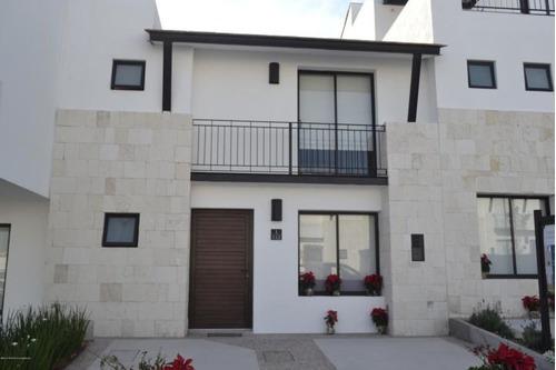 Casa En Venta En El Refugio # 20-131 Jl
