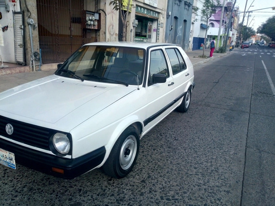 Volkswagen Golf Sedan