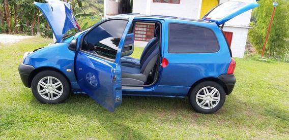 Renault Twingo 2005. Azul Universo