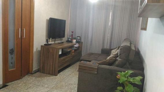 Excelente Oportunidade De Apartamento Com Dois Dormitórios. - 170-im217896