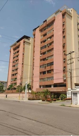 Apartamento 106 M2 Colinas Del Neveri