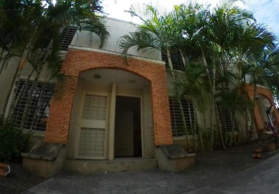 Cómoda Casa En Venta En Cabudare #20-6546