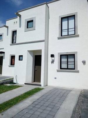 (crm-738-1134) Querétaro Renta Casa Nueva Provenza (el Mirador)