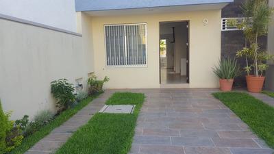 Casa Con 3 Recamaras , Con 3 Baños Completos, Sala Ycochera