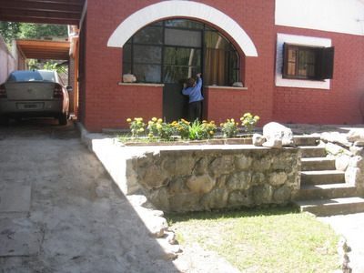 Excelente Casa En Santa Rosa De Calamuchita En Pleno Centro