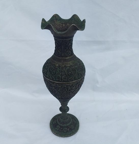 Vaso De Mesa Em Metal Trabalhado (cod.3672)