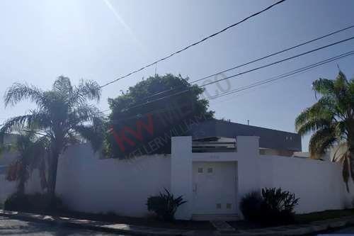 Casa En Venta, De Un Piso Con Alberca, En Torreon Jardin