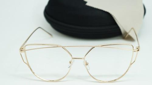 eb08d937a Armação Óculos Grau Starligh Feminino Gatinha Metal Dourado - R$ 45,00 em  Mercado Livre