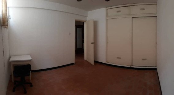 Anexo, Prados Del Este, 4 Habitaciones, 3 Puestos Estación