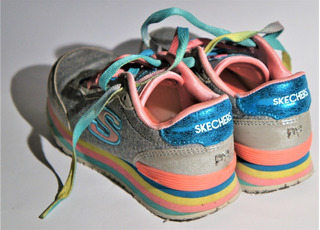 Tenis Skechers Niña Rosa Multicolor Arcoiris 17