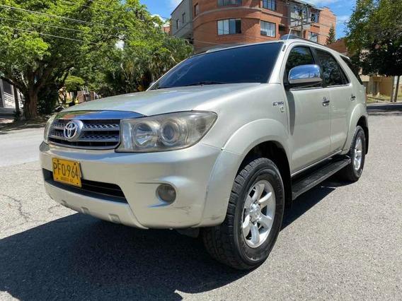 Toyota Fortuner 2.7 Gasolina 4x4