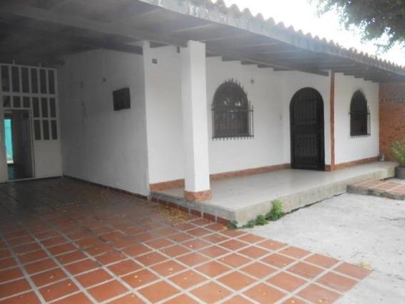 Casa En Venta Urb La Mulera Maracay Cod. 19-14301
