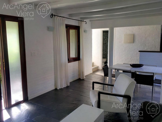 Casa De Dos Dormitorios En Alquiler Invierno En Barrio Privado, Pinares