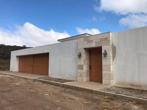 Se Vende Casa Para Estrenar En Zona Residencial