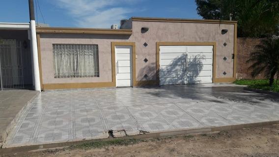 Amplia Casa 2 Dormitorios Sobre Yatay, Barranqueras.