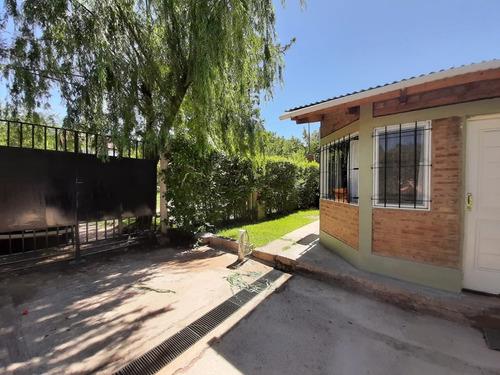 Hermosa Casa Con 2 Dormitorios Parque Quincho Y Pileta