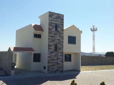 Casa A La Venta En Fraccionamiento Parque Inglés, Apizaco