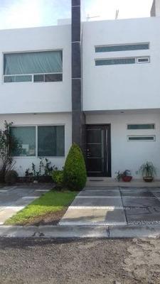 Vendo Casa Queretaro Fracc. Andrea Priv. X Plaza Candiles