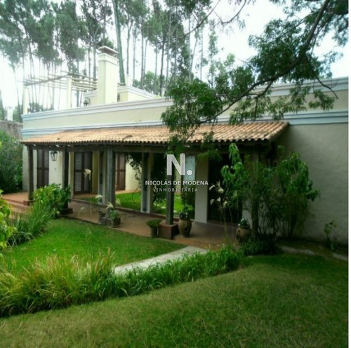 Casa 4 Dormitorios En Pinares.- Ref: 3463