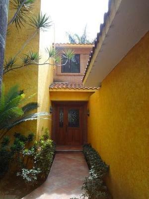 Residencia Amueblada En Las Fincas. T: 1,020 M2 C: 422 M2;