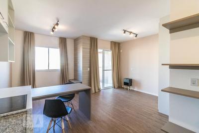 Studio No 6º Andar Com 1 Dormitório E 1 Garagem - Id: 892917547 - 217547