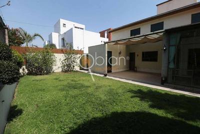 Hermosa Casa En Venta, Fraccionamiento Seguro, Zona Zavaleta